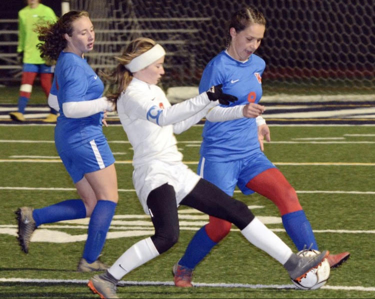 Lady Warriors Advance to District 6 Championship Game