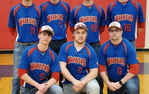 The Warrior baseball letterwinners pose for a picture at Meet the Warriors.