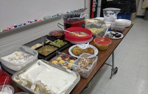 The delicious Cinco de Mayo foods lined up and ready to be eaten