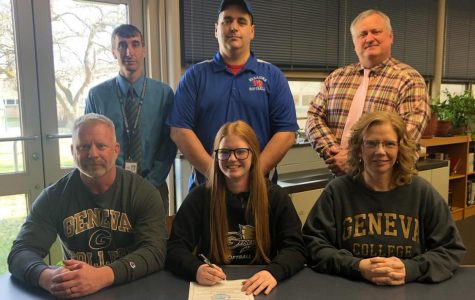 Elishea Reed Signs Letter of Intent to Play Collegiate Softball