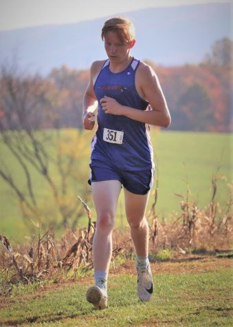 Justin Mulhollem running in his ICC meet at Juniata Valley on 10-22-20